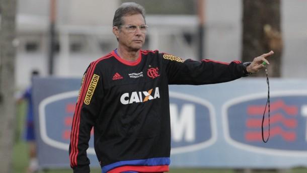Flamengo busca novo treinador para 2016 e irrita Oswaldo deOliveira
