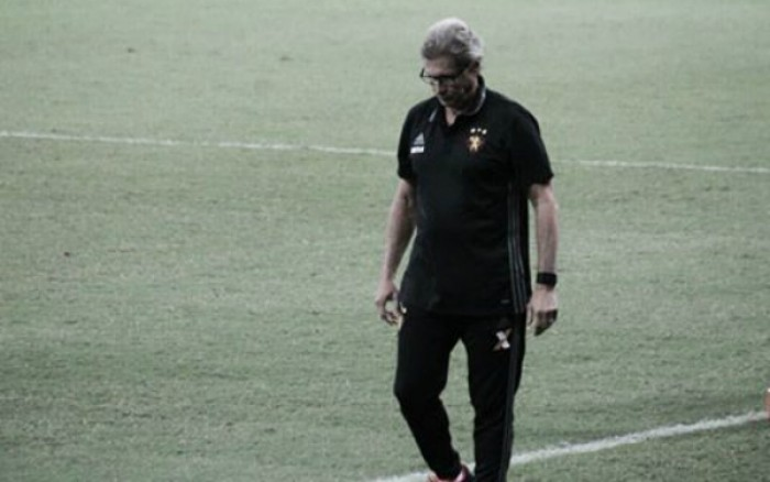 """Oswaldo destaca equilíbrio contra Santa Cruz: """"Jogado de acordo com a atuação dos times"""""""
