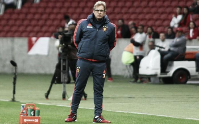 """Oswaldo lamenta derrota para Internacional: """"Fizemos um bom primeiro tempo"""""""