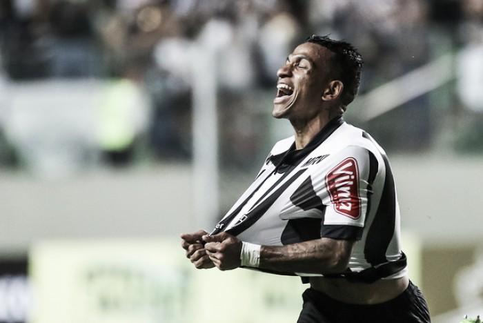 Otero faz pintura, Atlético-MG bate Paraná e avança às quartas de final