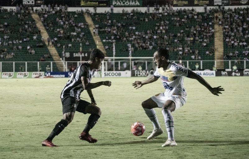 Em jogo de seis gols, Figueirense e Chapecoense empatam pelo Catarinense