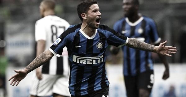 Internazionale bate Udinese e assume liderança do Campeonato Italiano