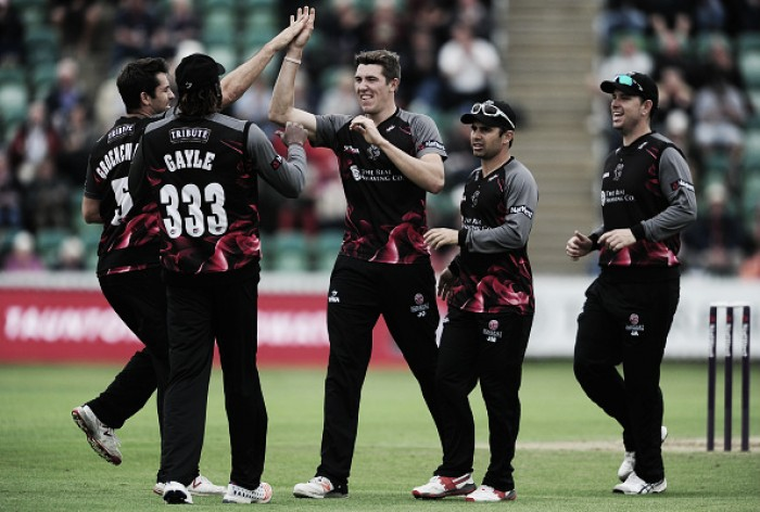 Gayle leaves Taunton with half-century as Somerset keep T20 Blast campaign alive