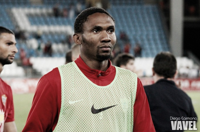 Owona apunta a la titularidad ante el Huesca