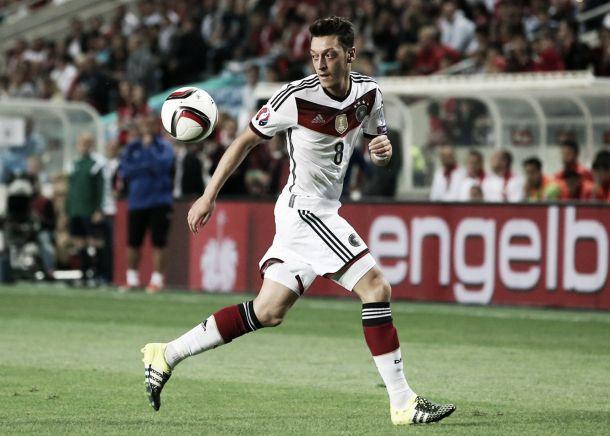 Do Germany utilise Mesut Ozil differently to Arsenal?