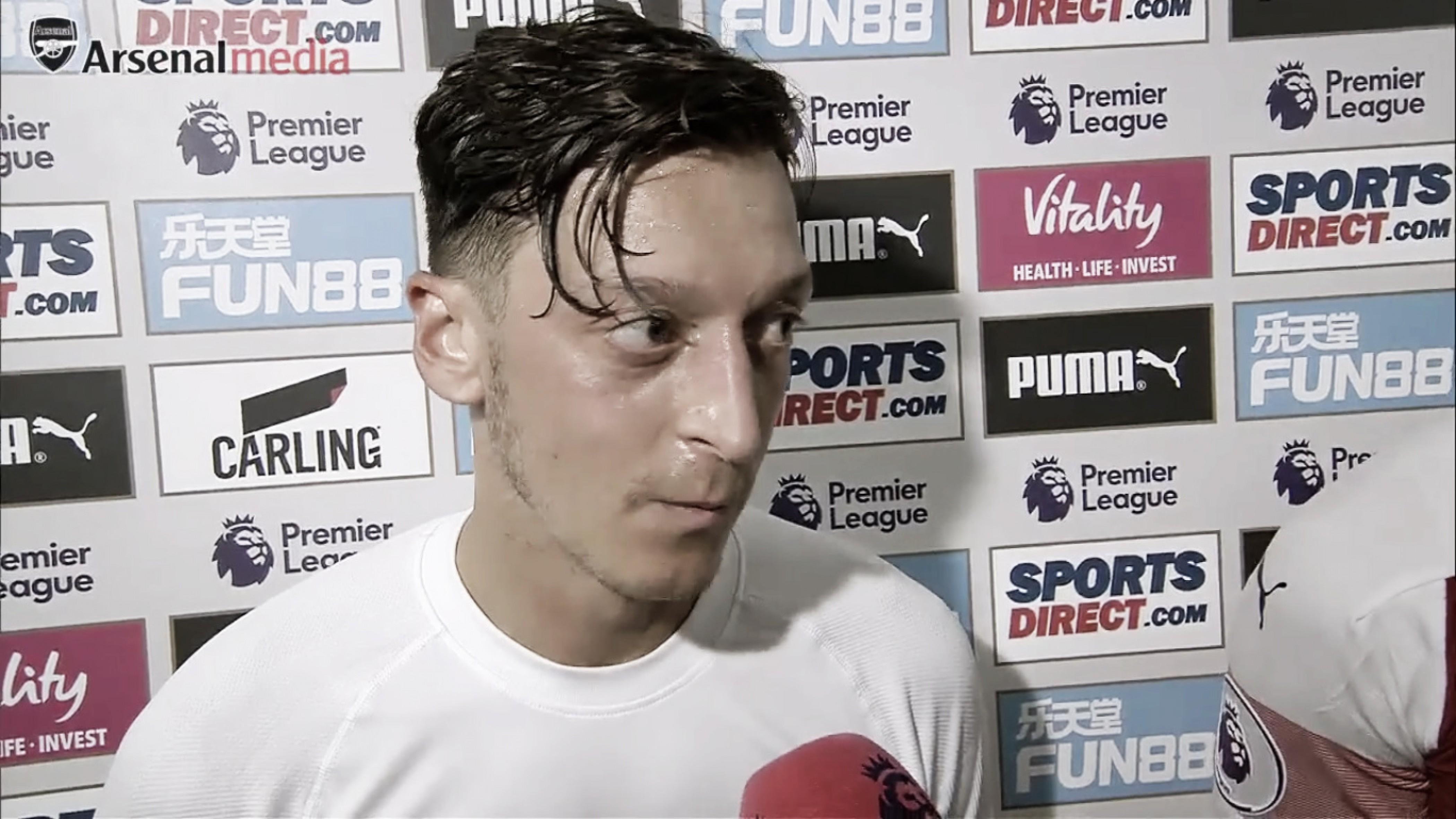 """Özil: """"El nuevo entrenador sabe lo que quiere, el equipo lo ha aceptado y todos le apoyamos"""""""
