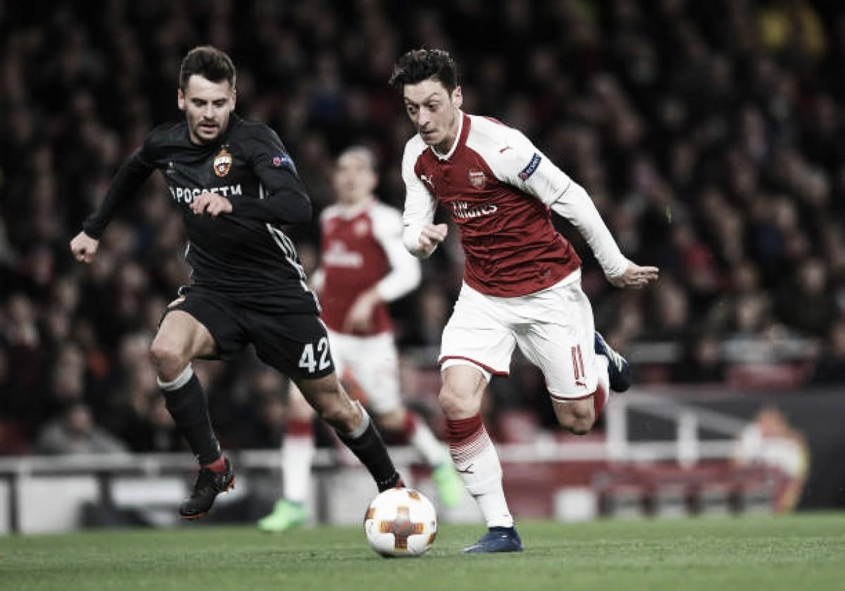 Com três gols de vantagem, Arsenal visita CSKA na Europa League