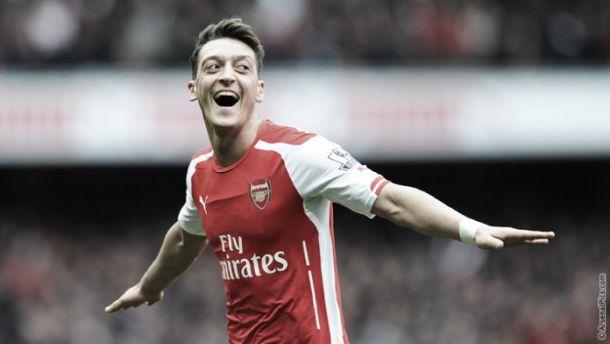 Mesut Ozil quebra recorde: seis assistências em seis jogos consecutivos
