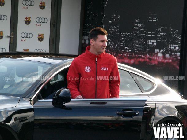 Los jugadores del Barça reciben los nuevos coches de Audi
