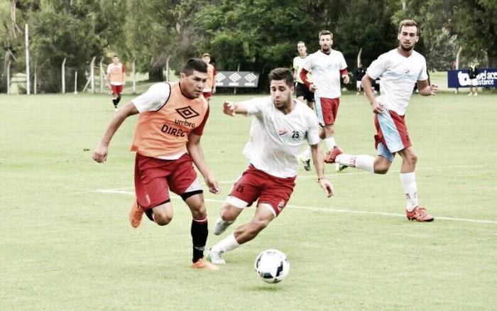 El Pincha jugó ante Arsenal en tres partes