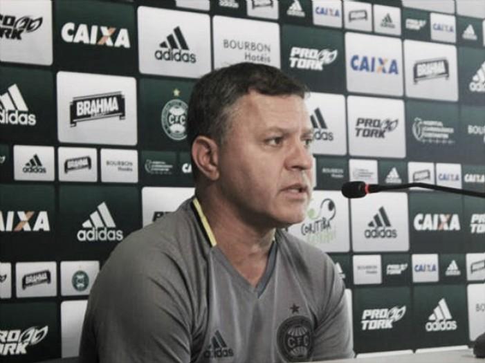 """Pachequinho fica insatisfeito com atuação do Coritiba: """"Abaixo do que imaginávamos"""""""