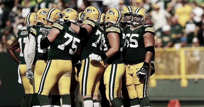 Rodgers sofre duas interceptações, mas Packers derrota Giants em casa e chega à terceira vitória