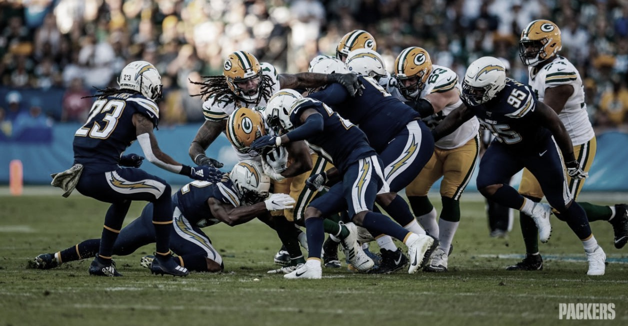 Los Chargers sorprenden a unos inoperantes Packers
