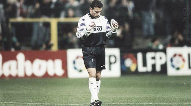 Paco Buyo, de máximo goleador a guardameta