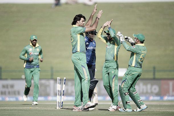 Pakistan - England 1st ODI: Hafeez century gives hosts victory