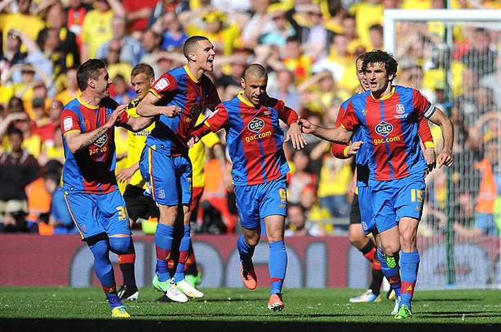 Crystal Palace bate o Watford na prorrogação e está de volta à Premier League