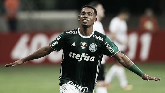 Gabriel Jesus marca dois, se isola na artilharia do Brasileiro e Palmeiras goleia Figueirense