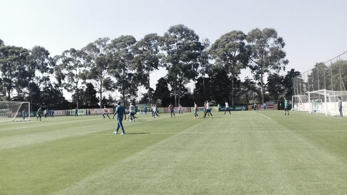 Recém-chegados, auxiliares de Felipão assistem ao treino do Palmeiras na Academia