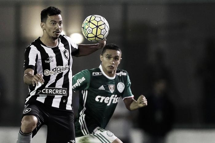 Com estreia de Leo Valencia, Botafogo mede forças contra Palmeiras no Nilton Santos