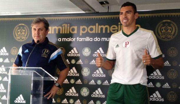 """Após críticas de Materazzi, Lúcio responde: """"Mau caráter"""""""