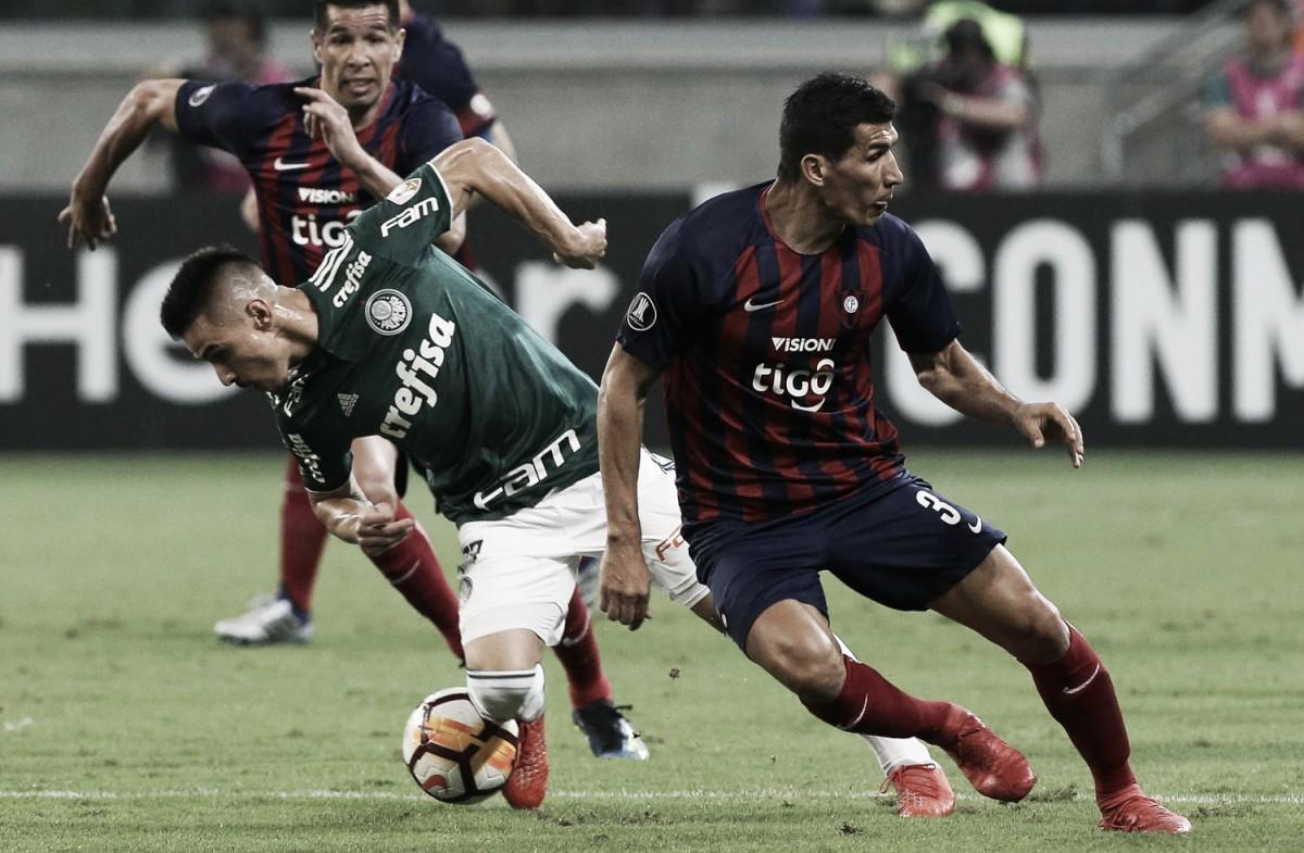 Com duas expulsões, Palmeiras perde para o Cerro Porteño, mas avança na Libertadores