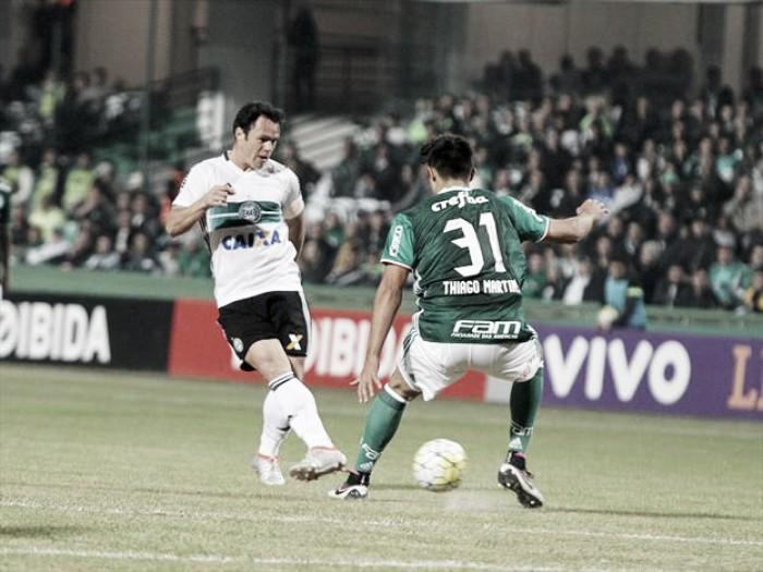 Palmeiras recebe Coritiba visando se manter na liderança do Campeonato Brasileiro