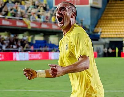 Diez minutos dorados mantienen al Villarreal en ascenso directo