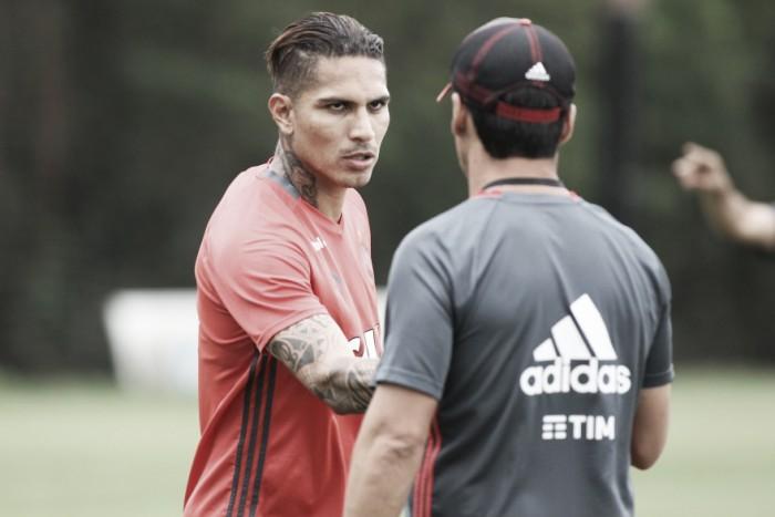 Flamengo poupa seis titulares de viagem ao Chile e ganha volta de Guerrero