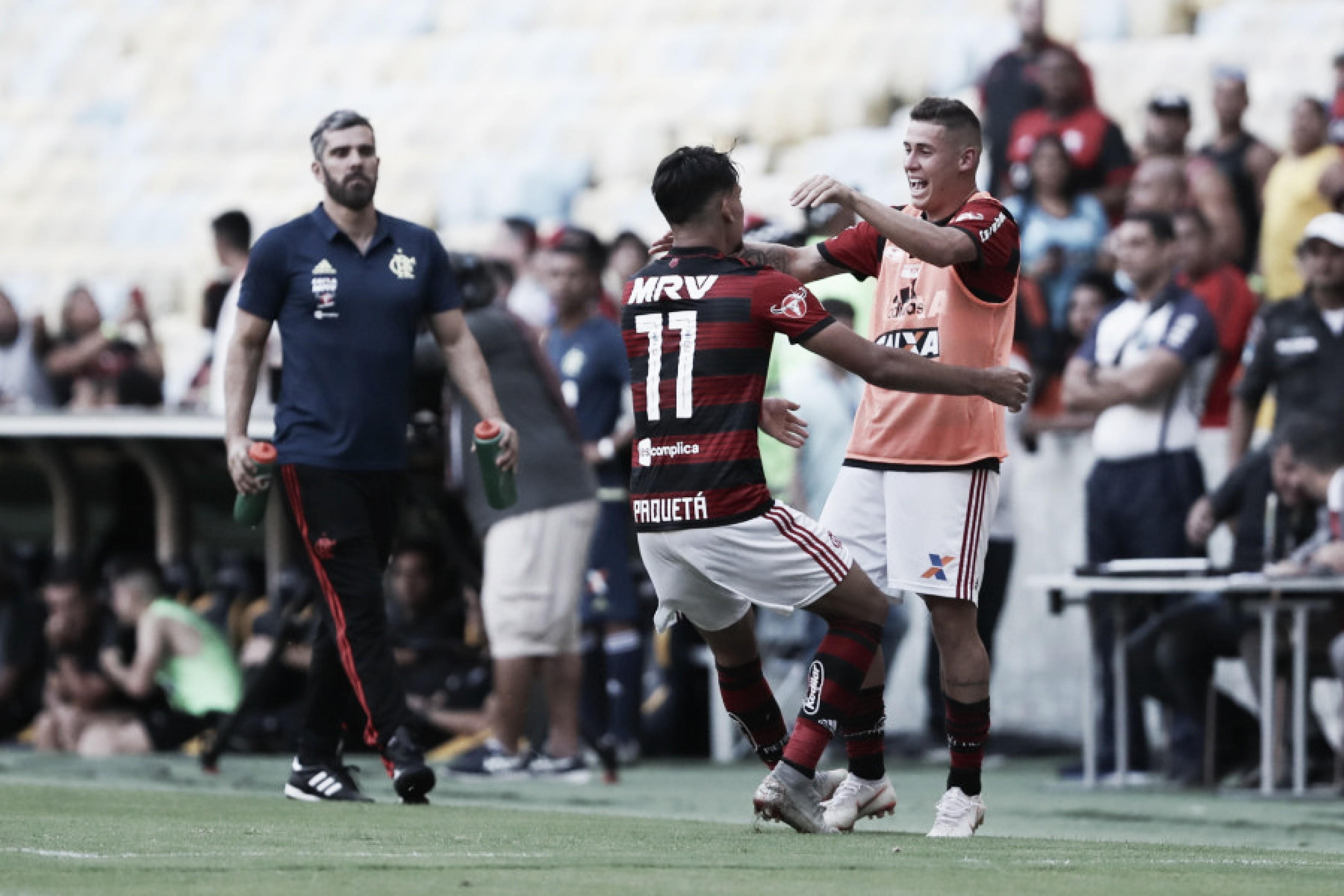 """Paquetá comenta vaias da torcida do Flamengo a Sávio: """"Quando pedem algo, é para nosso bem"""""""