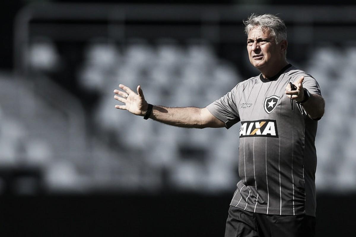 Botafogo busca vitória contra o Nacional para dar sobrevida a Marcos Paquetá