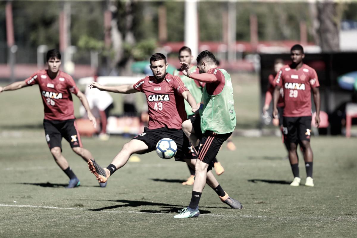 Com Pará e Arão, Barbieri testa mudanças no time titular visando estreia no Brasileiro
