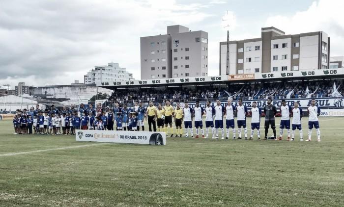 Com golaço nos acréscimos, Paraná bate URT e avança para a segunda fase da Copa do Brasil