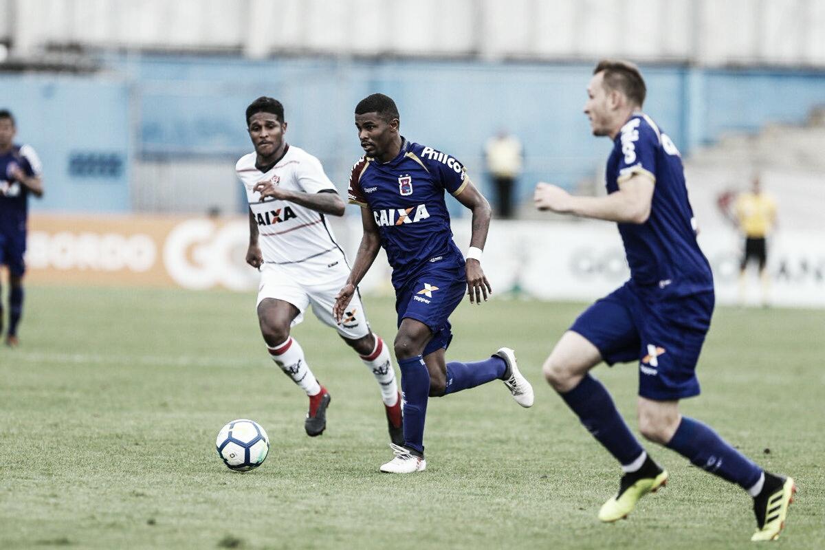 Já rebaixado, Paraná faz poucas mudanças na equipe para enfrentar o América-MG