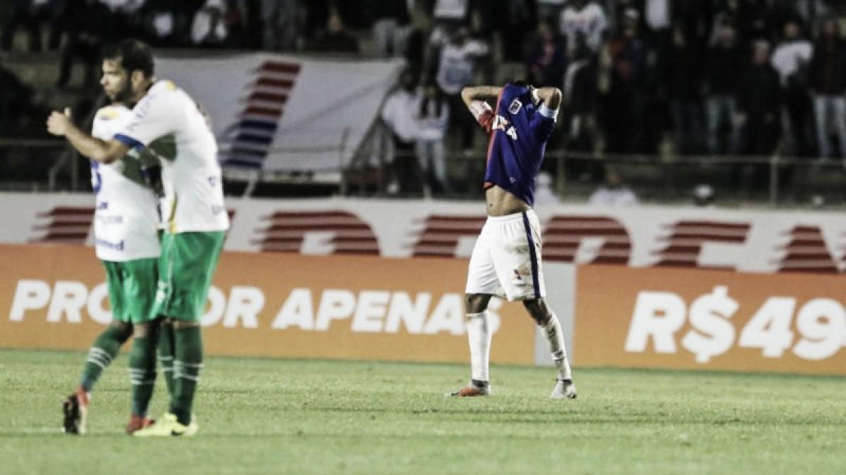 Claudinei Oliveira lamenta empate do Paraná com a Chapecoense: ''Sentimento pior impossível''