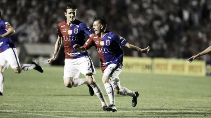 Paraná vira contra Criciúma e engata nona vitória seguida como mandante da Série B