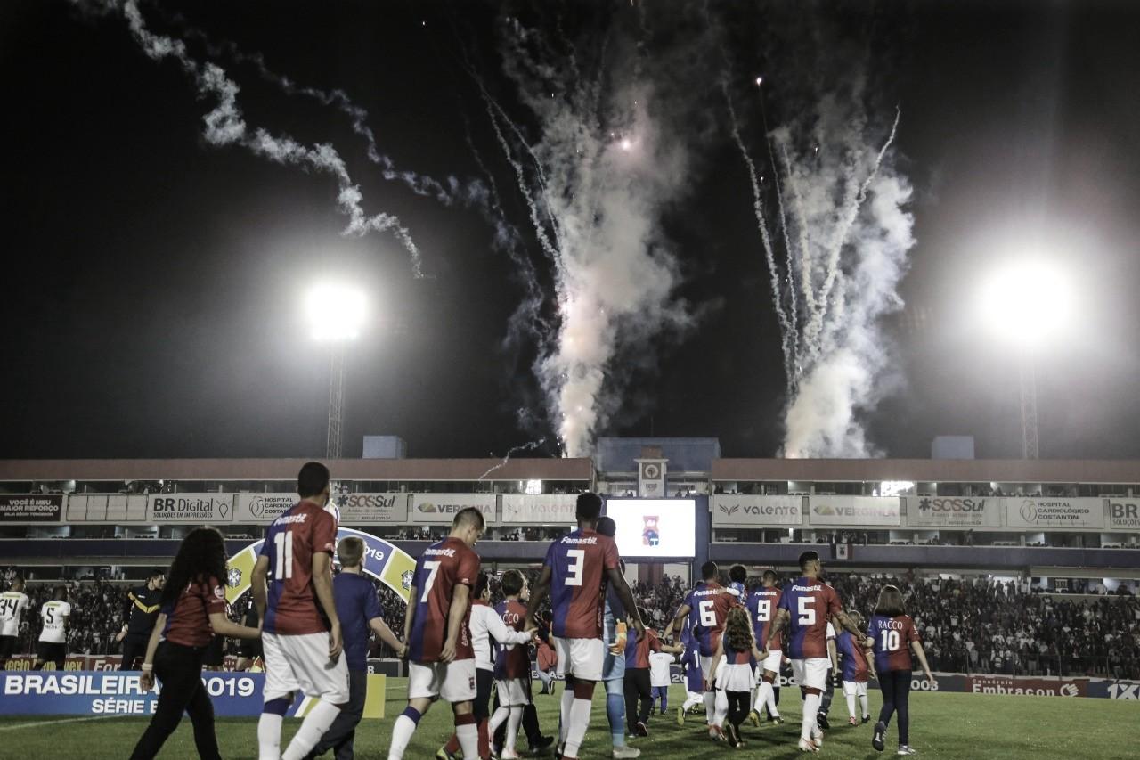"""Presidente do Paraná desabafa contra arbitragem: """"Dá vontade de largar o futebol e ir embora"""""""