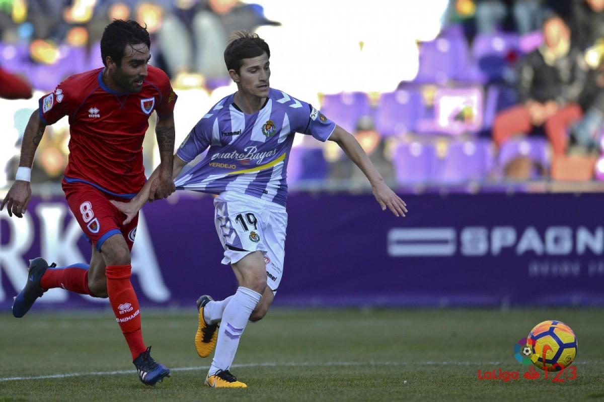 El Valladolid, con uno menos, pierde el derbi ante el Numancia