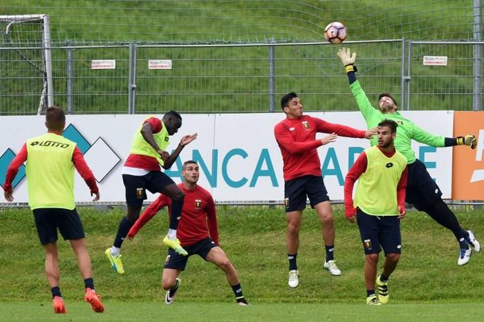 Amichevoli 'italiane': cade solo il Chievo, volano Cagliari e Genoa. Pari per l'Udinese. In evidenza anche Palermo e Bologna