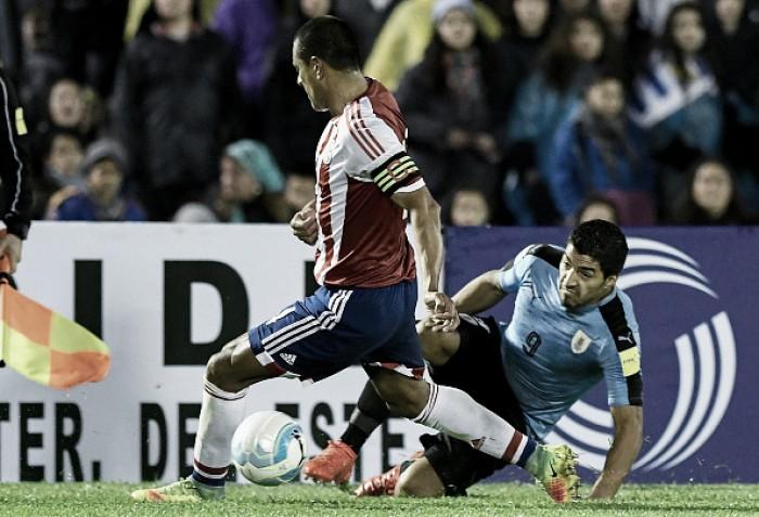 Em momentos recentes distintos, Paraguai e Uruguai fazem jogo decisivo pelas Eliminatórias