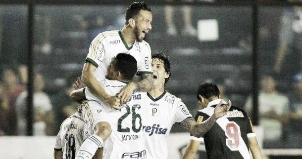 Palmeiras goleia Vasco em São Januário e assume a terceira posição no campeonato