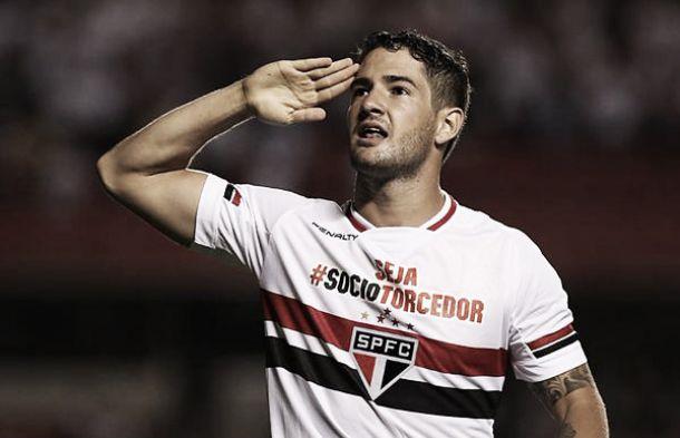 Pato marca duas vezes e São Paulo vence Danubio sem dificuldades