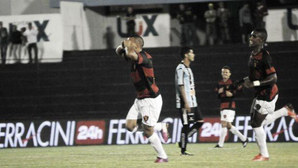Sport vence o Porto e chega à liderança do Campeonato Pernambucano