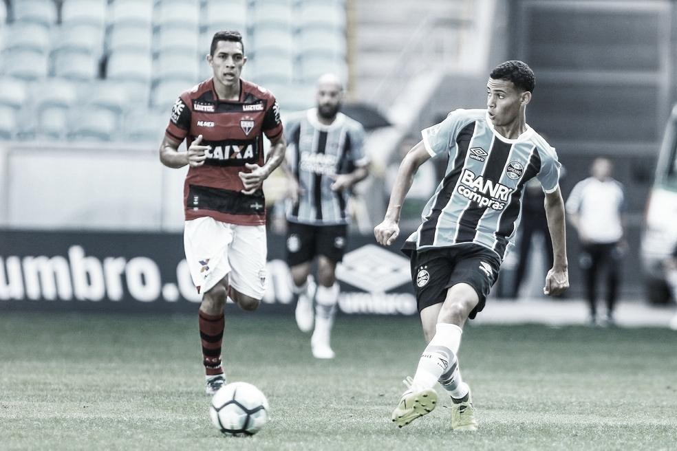Com deficientes rendimentos, Atlético-GO e Grêmio fazem confronto em busca de reabilitação