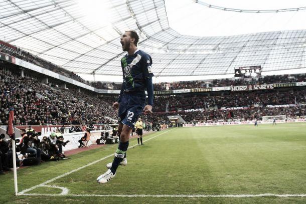 Bundesliga: Wolfsburgo bate Bayer em jogo mágico de Bas Dost
