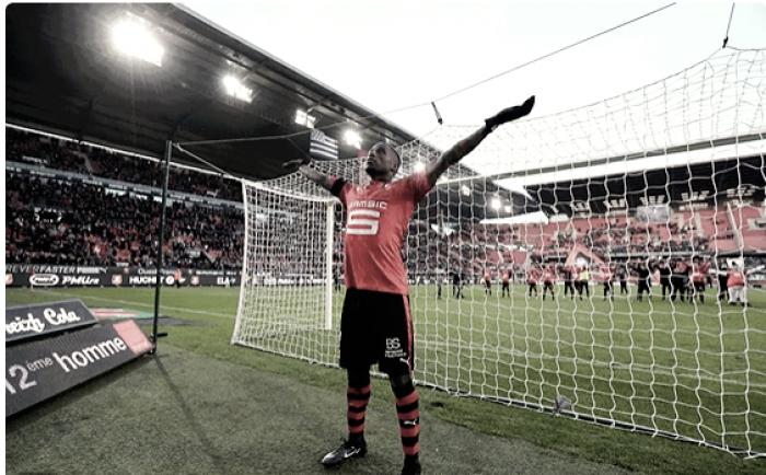 Rennes bate Saint-Étienne e entra na zona de classificação a competições europeias