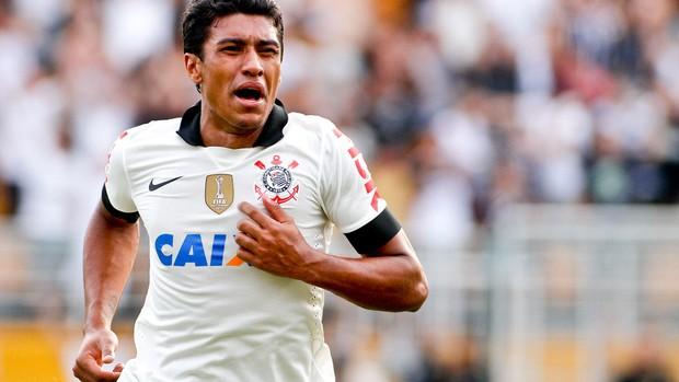 Segundo dirigente, Paulinho teria pré-contrato assinado com a Inter de Milão