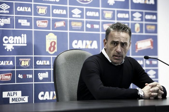Por meio de nota oficial, Cruzeiro desmente boato sobre demissão de Paulo Bento