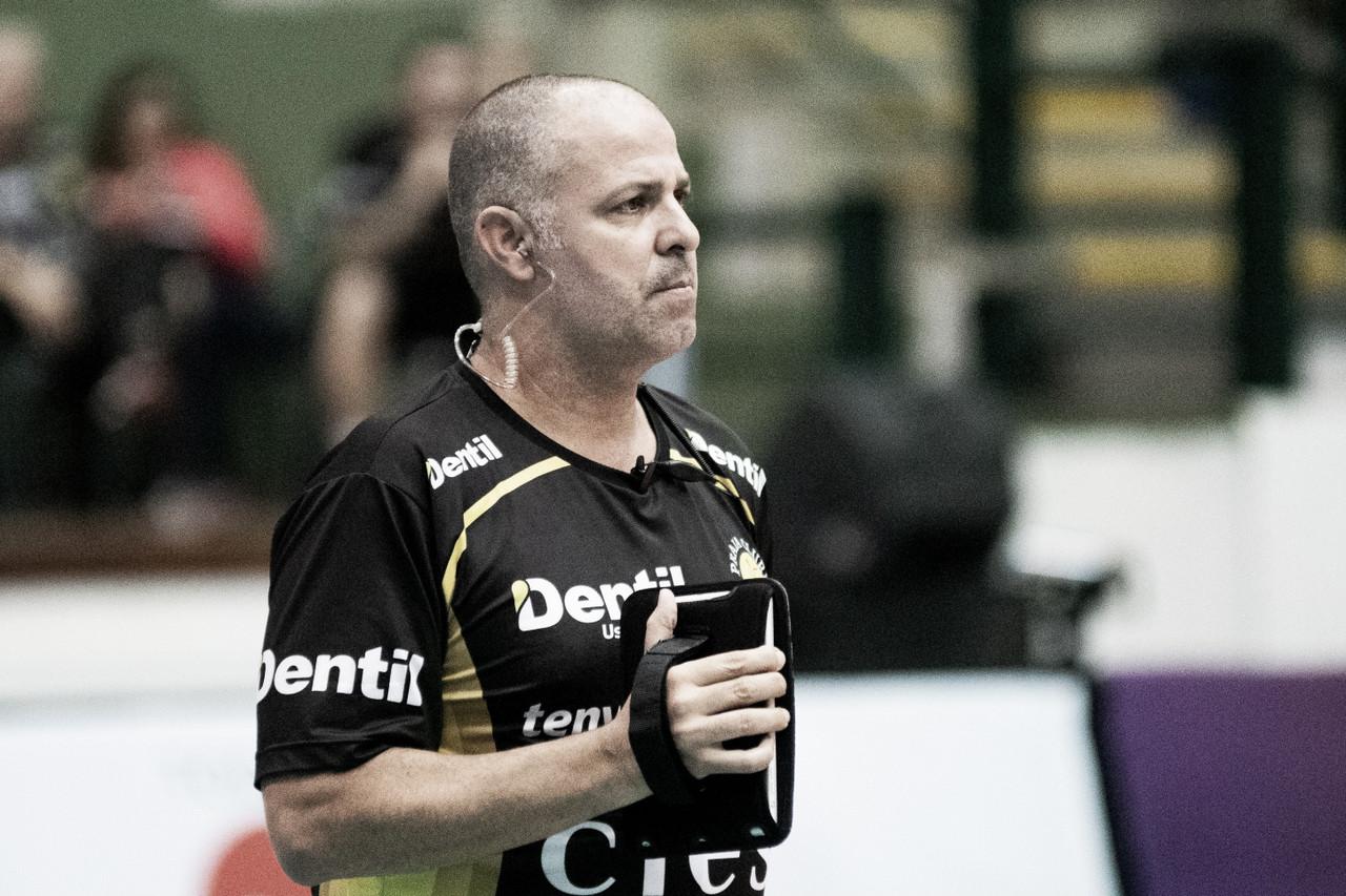 "Paulo Coco lamenta derrota do Dentil/Praia Clube pela Copa Brasil: ""Falta deequilíbrio"""