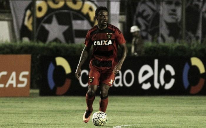 Oswaldo testa Paulo Roberto e mantém Rogério no ataque para jogo com Fluminense
