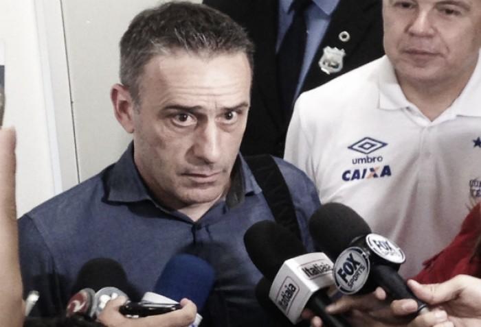 Paulo Bento desembarca em Belo Horizonte e planeja disputa da Libertadores com Cruzeiro